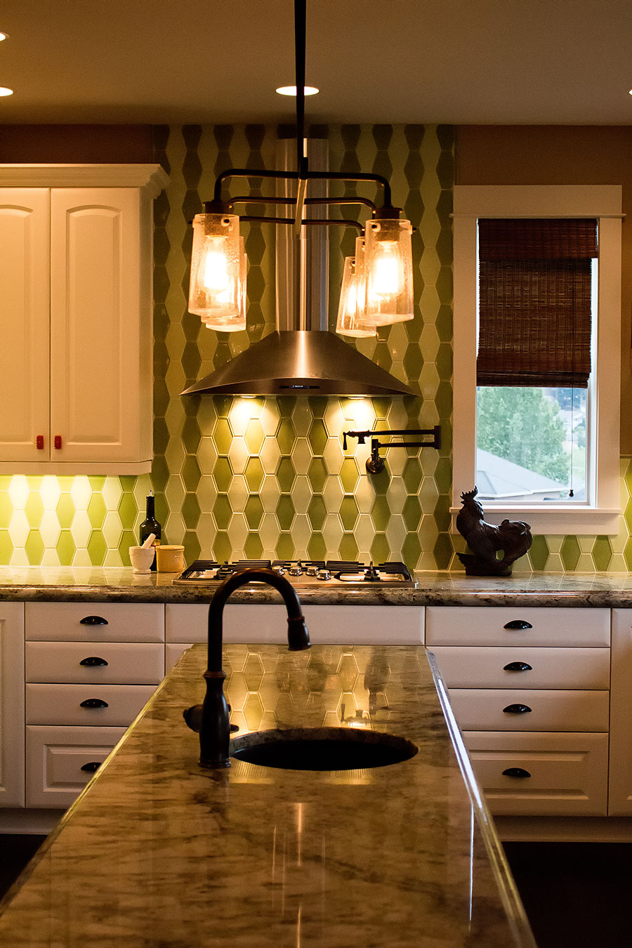 Custom Ann Sacks tile in kitchen interior design project. Rebecca Olsen Designs, Oregon